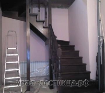 Благородная лестница из лиственницы в Чурилово