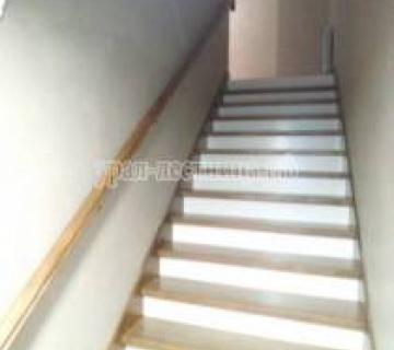 Лестница из Бука в Еланчике под ключ
