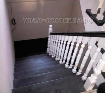 Лестница П-образная с двумя разворотными площадками