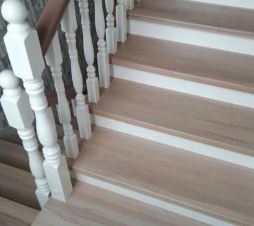 Обшивка бетонной лестницы в к.п. Алые Паруса