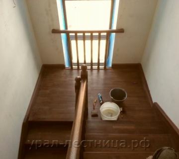 Обшивка бетонных лестниц буком